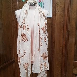 Ivory embroidered Aratta scarf